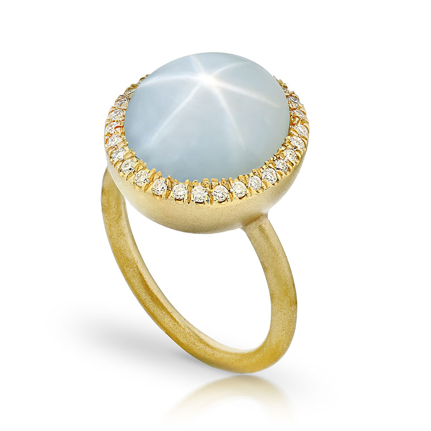 WHITE STAR CABACHON SAPPHIRE RING WITH NEAR COLORLESS DIAMONDS CRAFTED IN 18K GOLD BRUSHED FINISH, 15.54 CTW
