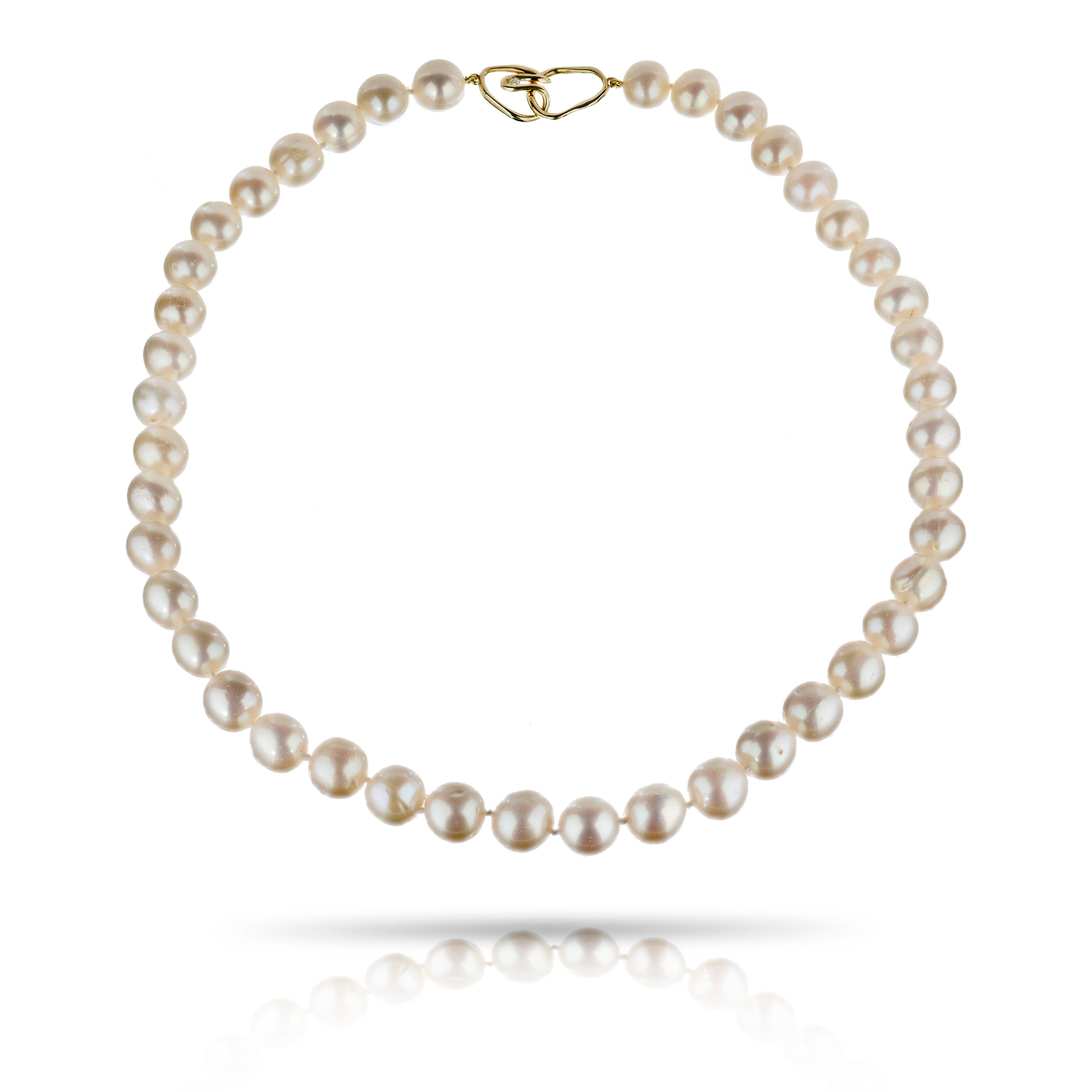 PEARL NECKLACE WITH DIAMOND CLASP CRAFTED IN 18K YELLOW GOLD