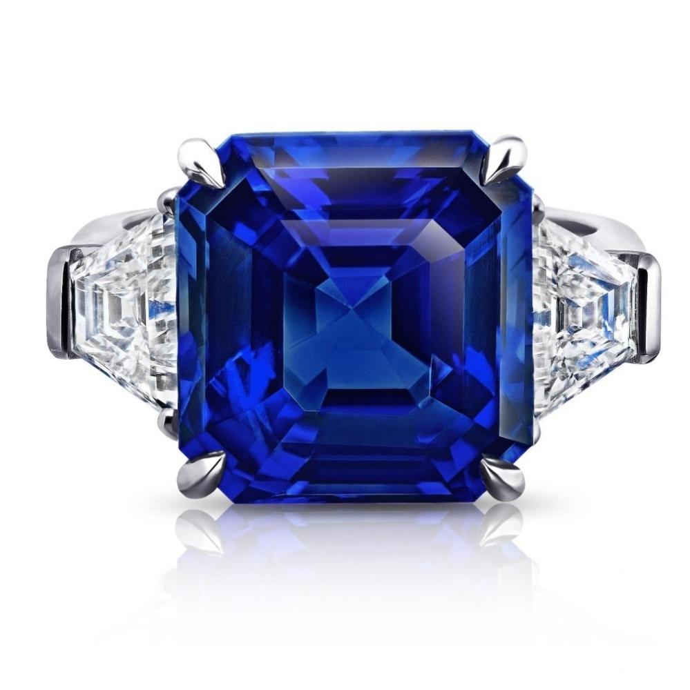 CEYLON SAPPHIRE ASSCHER CUT WITH TRAPEZOID SIDE DIAMONDS CRAFTED IN PLATINUM, 15.34 CTW