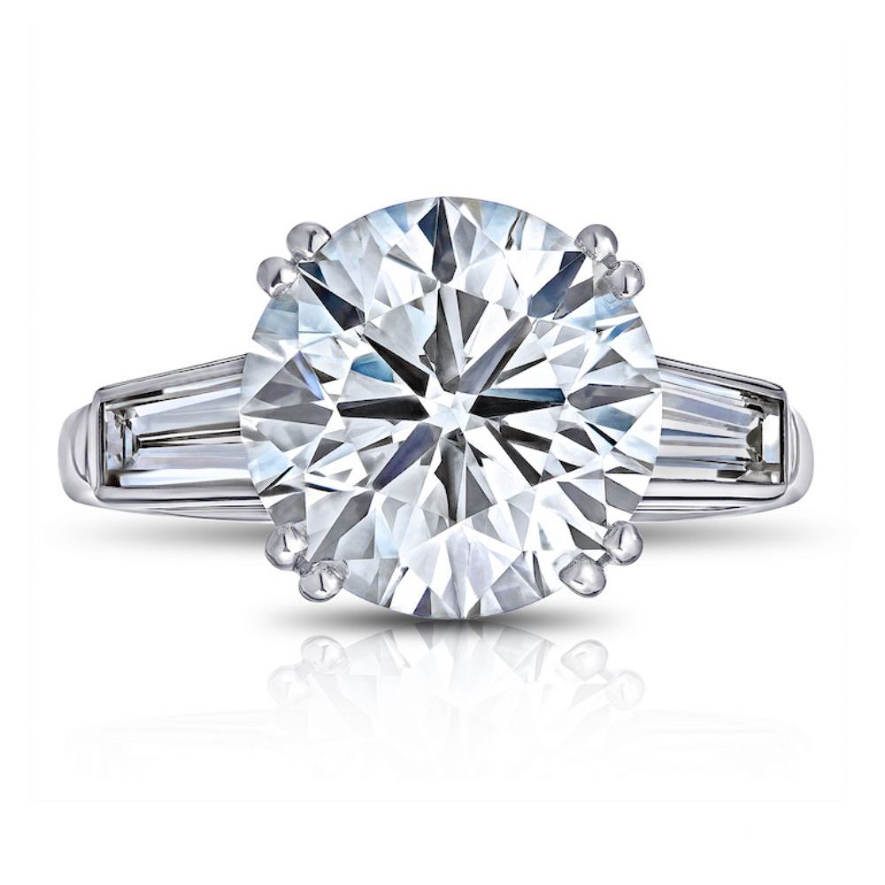 CHAUMET PARIS  RING  WITH ROUND BRILLIANT CENTER DIAMOND AND TAPERED BAGUETTE SIDE DIAMONDS CRAFTED IN PLATINUM, 6.55 CTW