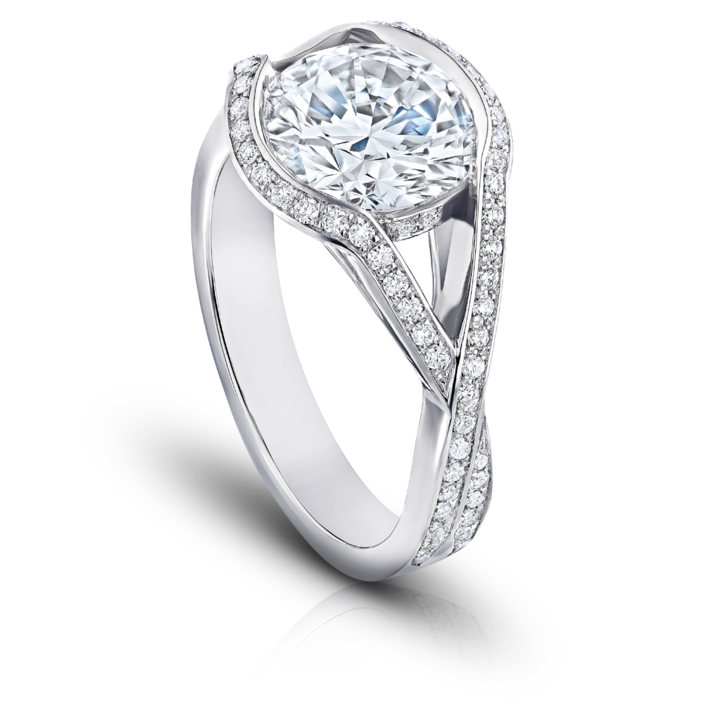 NOBLESSE RING WITH ROUND BRILLIANT CENTER DIAMOND AND DIAMOND PAVE SPLIT SHANK CRAFTED IN PLATINUM , 3.25 CTW, SIDE VIEW
