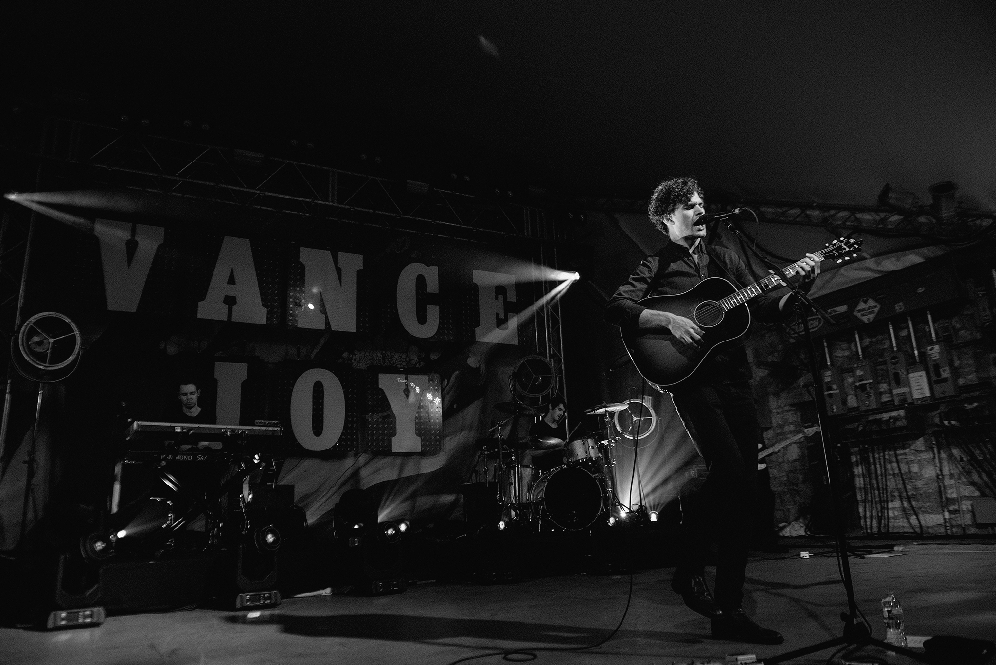 vance-joy-stubbs-austin-concert-photographer-3.jpg