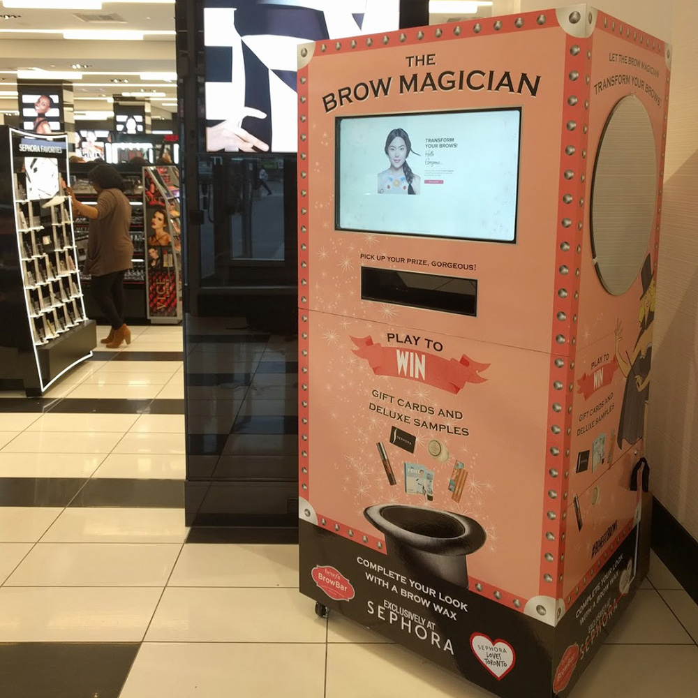 Interactive Sampling Machine<strong>Benefit Cosmetics</strong>