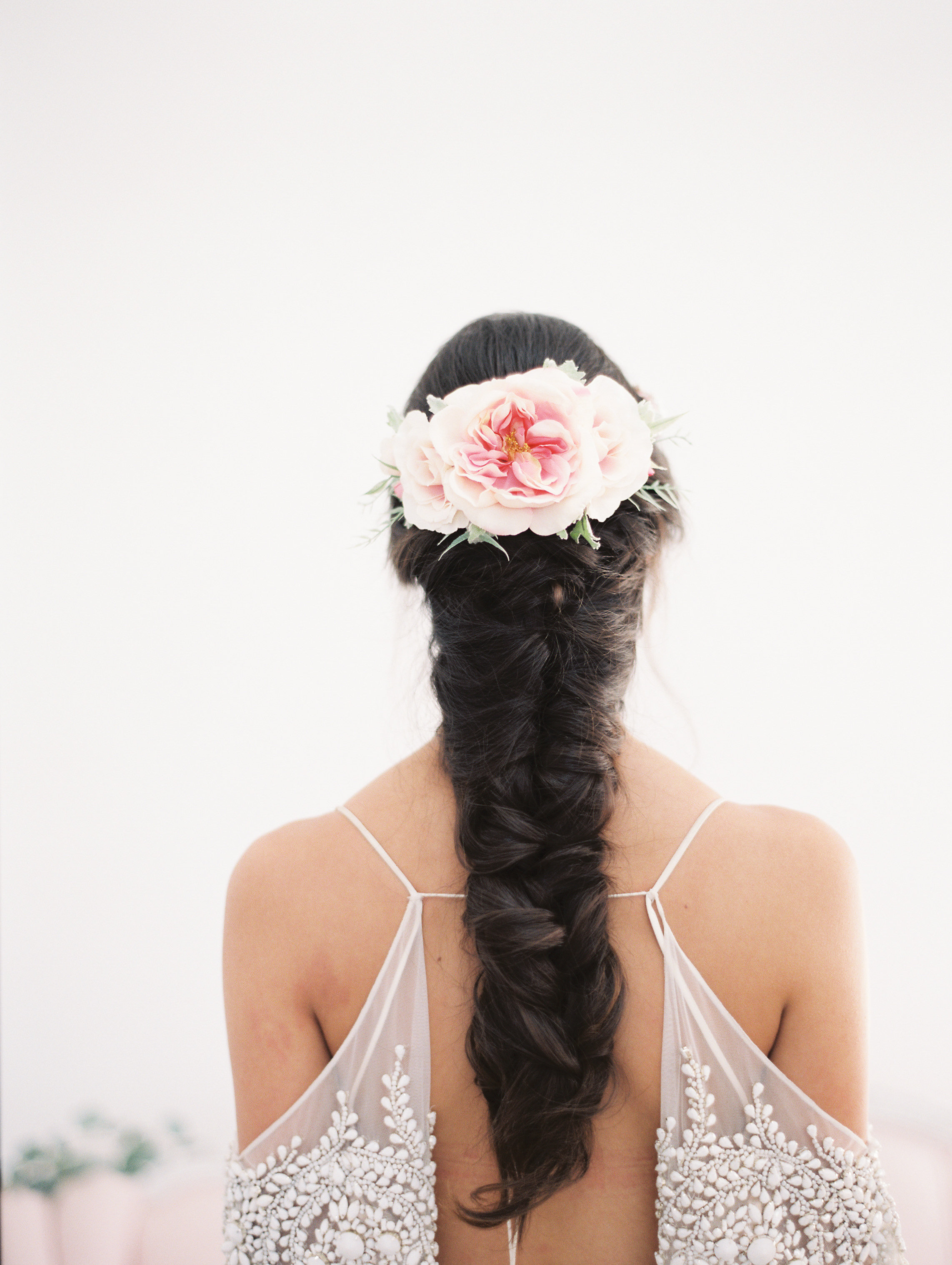 7 Romantic Floral Hairstyles for Brides-Bridal Inspiration-0048.jpg