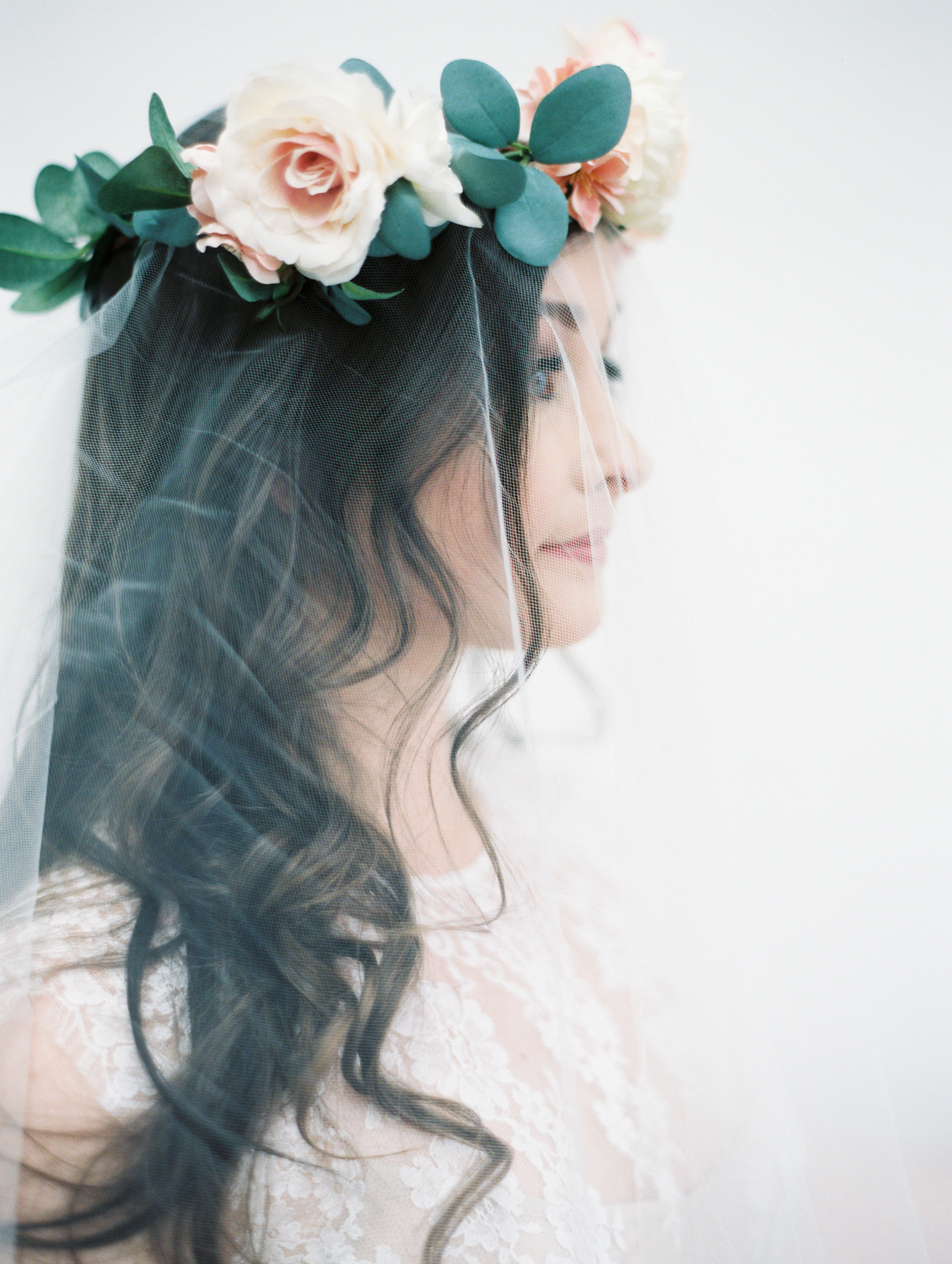7 Romantic Floral Hairstyles for Brides-Bridal Inspiration-0093.jpg