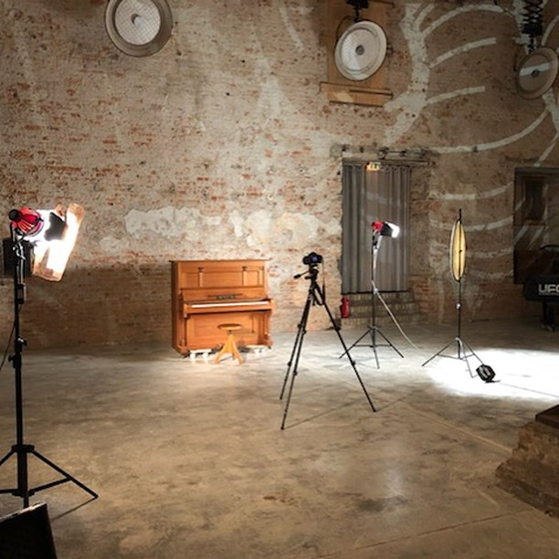 ...in progress: a video for a song of the new album. We had a wonderful videosession 3 weeks ago at the #musikbrauerei in Berlin with @andreavollmerphoto. I am looking forward to the final work.