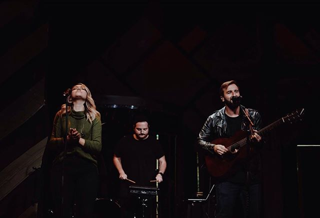 There is no greater privilege than getting to worship with different ppl in different cities all over and hear all the amazing God stories we have to tell after. We walk into the room as strangers but His glory and the experiences we share in His presence allows us to leave as family. See ya soon, ND! ✈️🙏🙌🖤