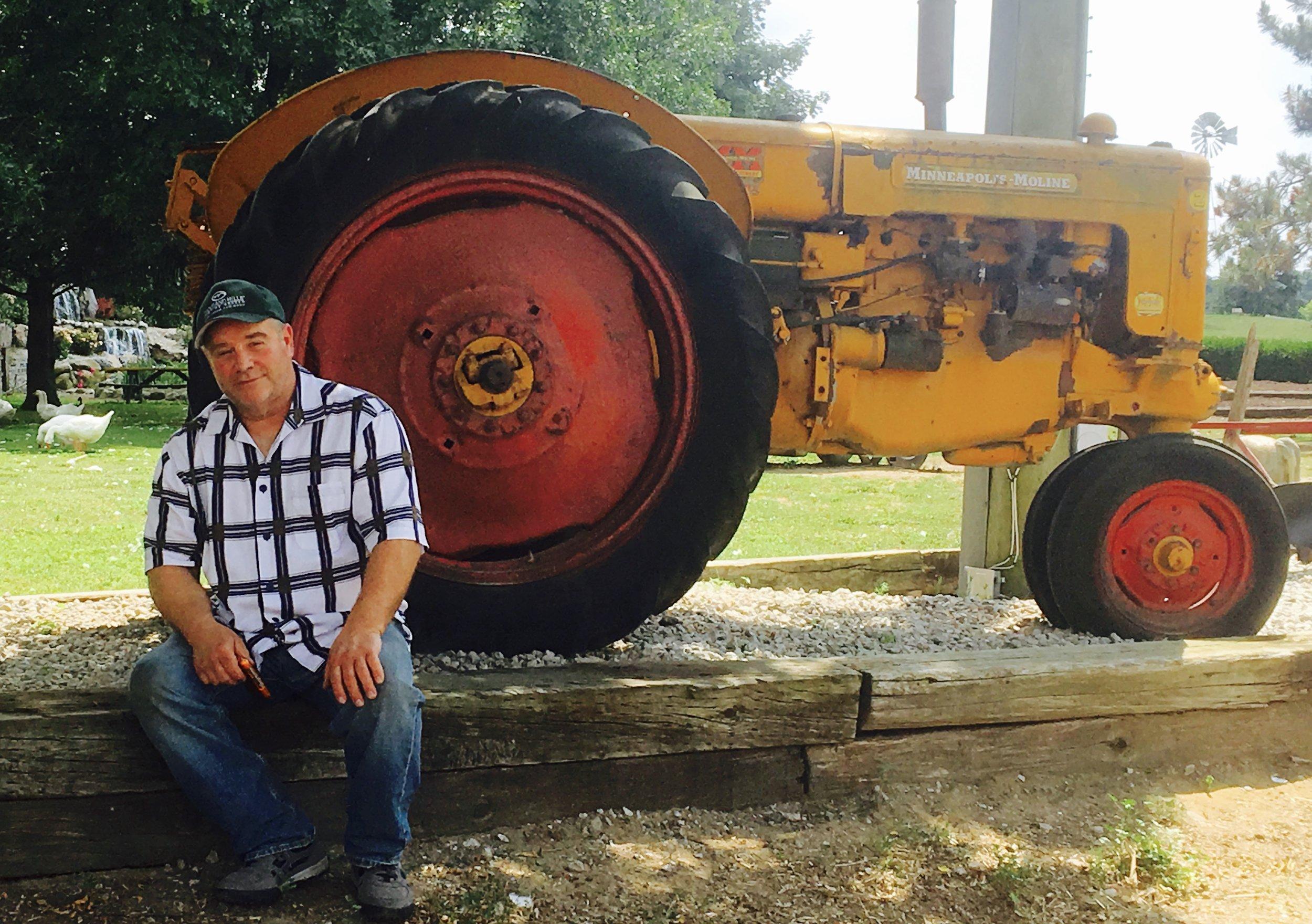 Garry VISITING CALDER'S FARM