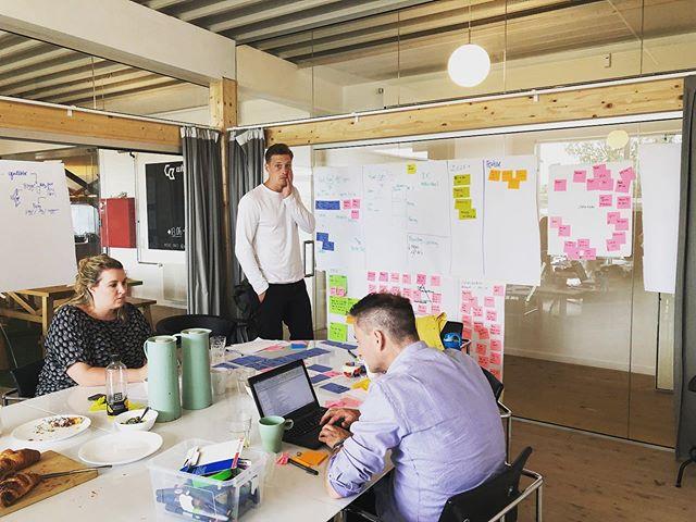 Vi er i fuld gang med endnu et intensivt 5-dages sprintforløb med fokus på digital koncept- og forretningsudvikling. Vi er nået til dag 4 og nu igang med de indledende brugertests.  #sprintdigital #digitaltransformation