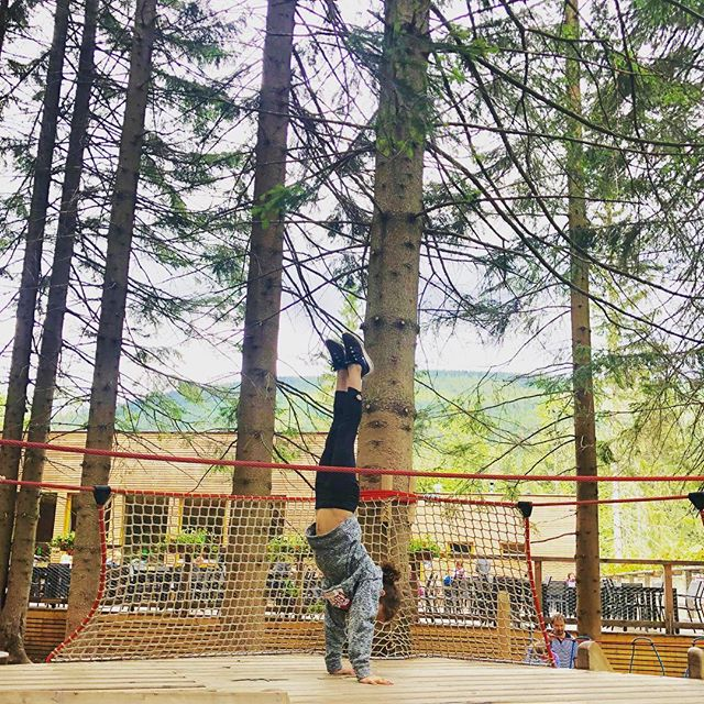 #handstand #handstandeveryday #summerwithgrandma2019 #czechrepublic #snezka #passportready #optoutdoors #mountains #malaupa