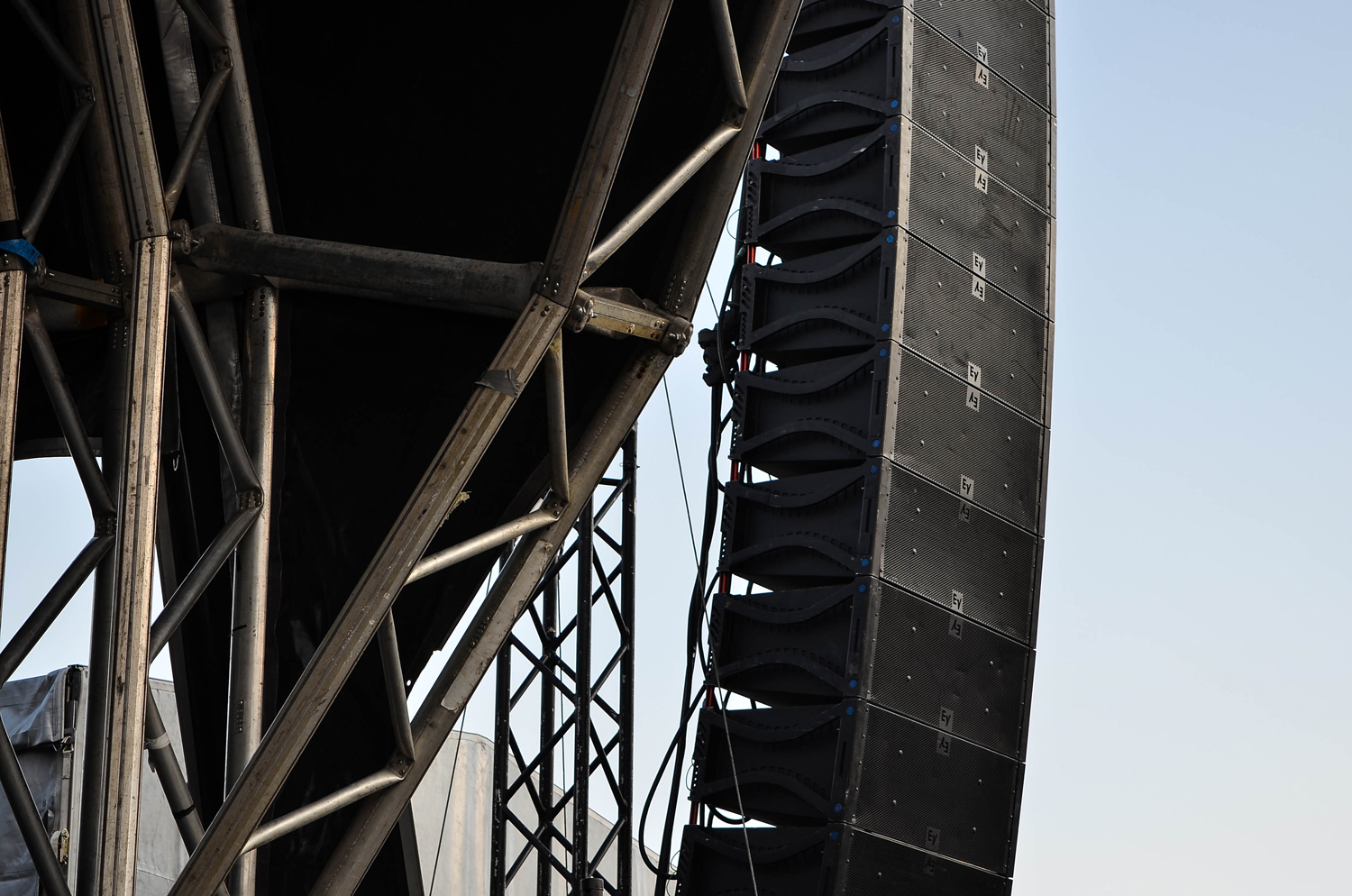 RIGGING TOWERS:  PA towers to 10M