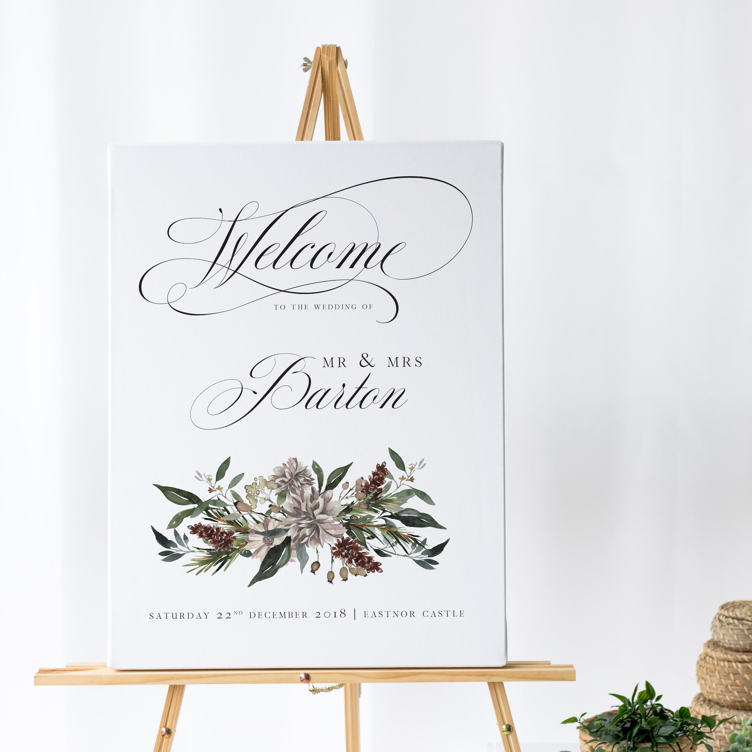 Oxford - Elegantly-styled for a winter wedding day, this wedding welcome sign comes from our Oxford collection. Using timeless typography, this is combined with Christmassy artwork for a beautiful, seasonal design.Our welcome signs are printed on one of two base options, including waterproof foamex, and can be combined with a matching table plan and / or order of the day for a discounted rate.