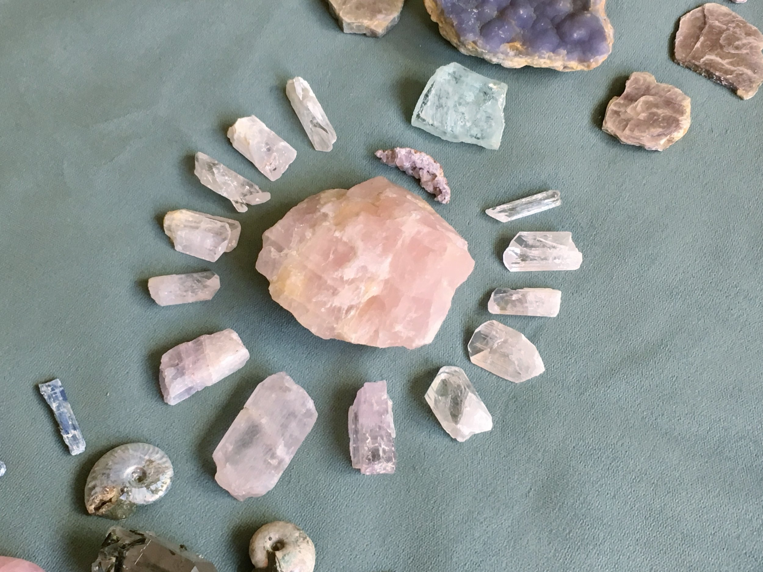 Minerals in the grid for helping to support the energies of the heart this week.