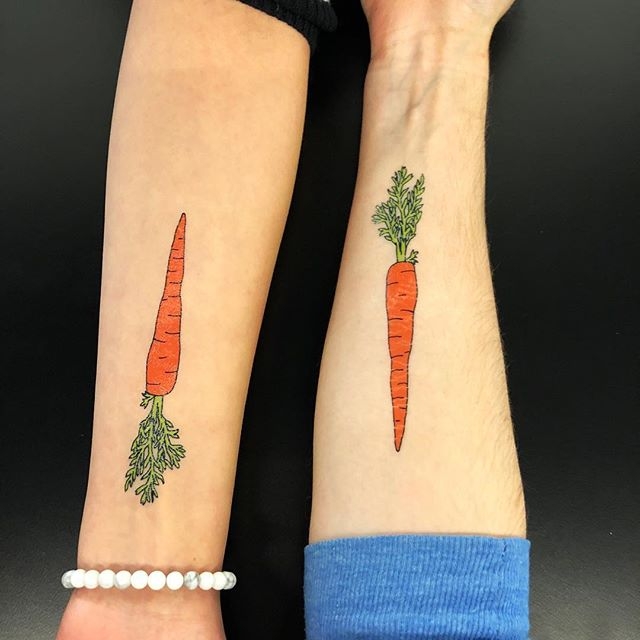 The team that gets tatted together stays together. 🥕🤟