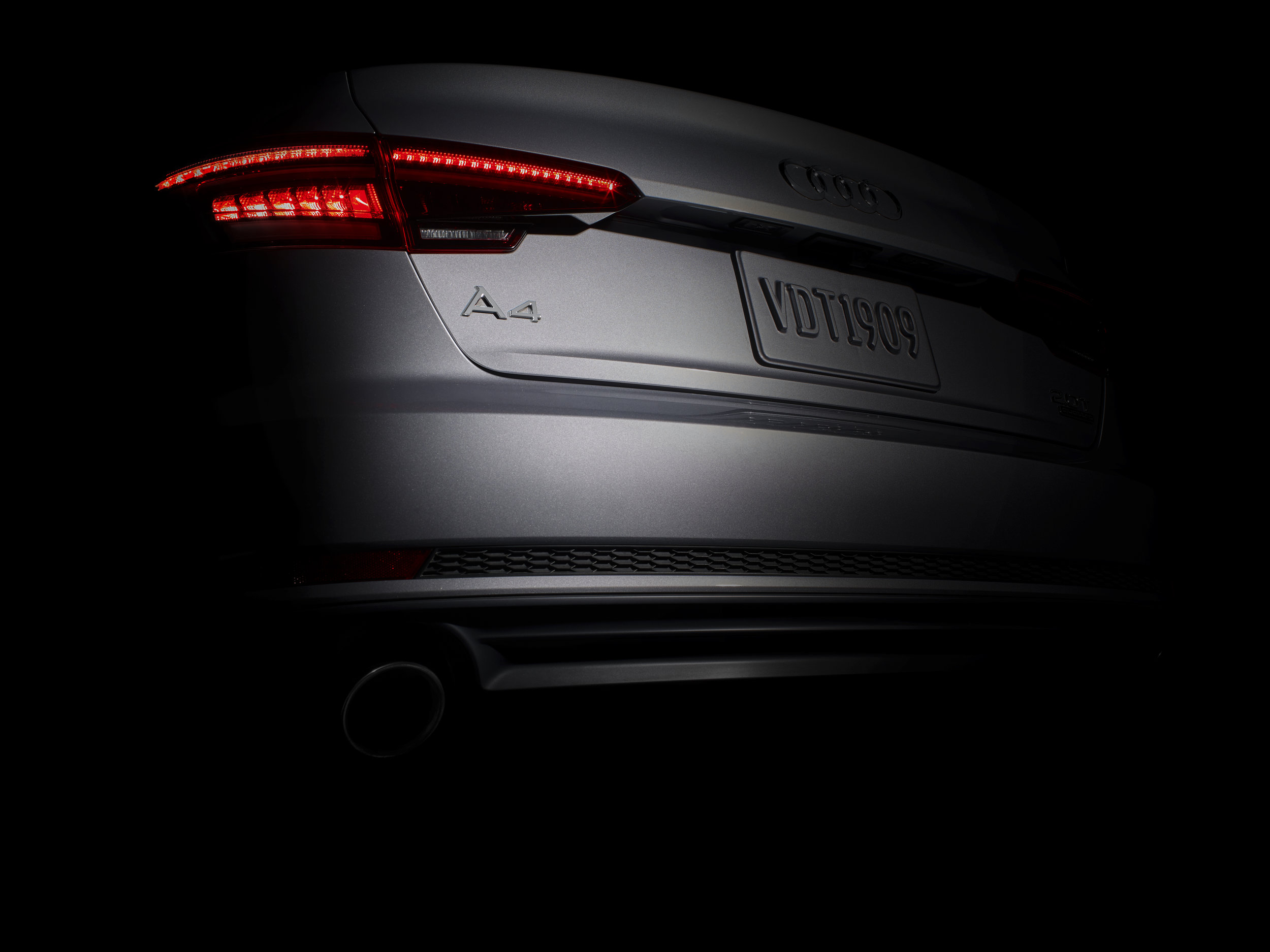 Audi_A4_In_The_Spotlight_D2_03.jpg
