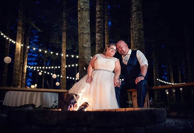 A perfect wedding day concluded with a beautiful night by the fire. . . Make sure your photos are as amazing as you are! Book your wedding at www.timothycapp.com . . .  #portlandweddingphotographer #weddingphotography #wedding #bride #weddingphotographer #weddingday #weddingdress #photography #love #weddinginspiration #groom #bridetobe #weddings #prewedding #photographer #weddingideas #weddingplanner #weddingphoto #destinationwedding #instawedding #photooftheday #weddinginspo #inittonguyenit #weddingplanning #photoshoot #couple #bridal #mauiweddingphotographer #hawaiiweddingphotographer #tampaweddingphotographer