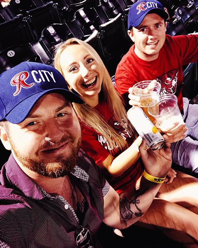 Pretty frickin' appreciative of friends who don't understand why I'll pick a baseball game over sleep during a crazy work weekend but will still enjoy life with me anyways 👏🏼⚾️🐾 #iphonex