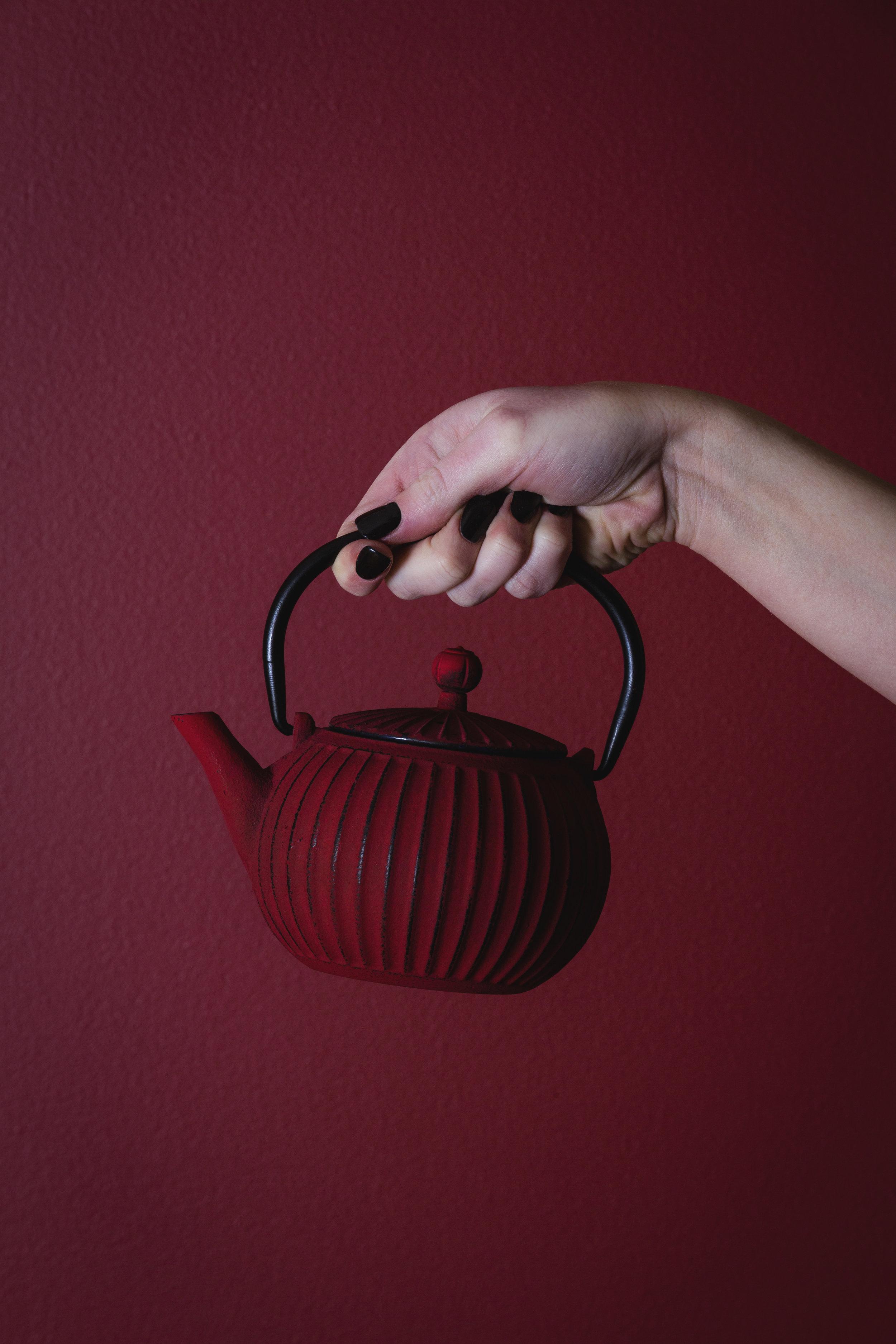 teapot_hand_01.JPG