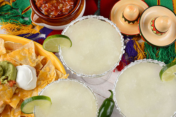 fiesta-table-setting-with-margarita-web.jpg