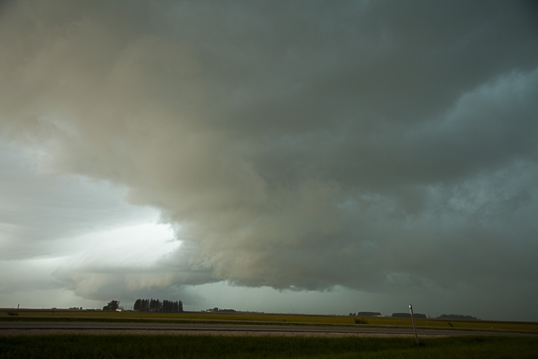 Under the Shelf cloud as it moves to the east (Right to Left),  PHOTO by CRAIG JOHNSON