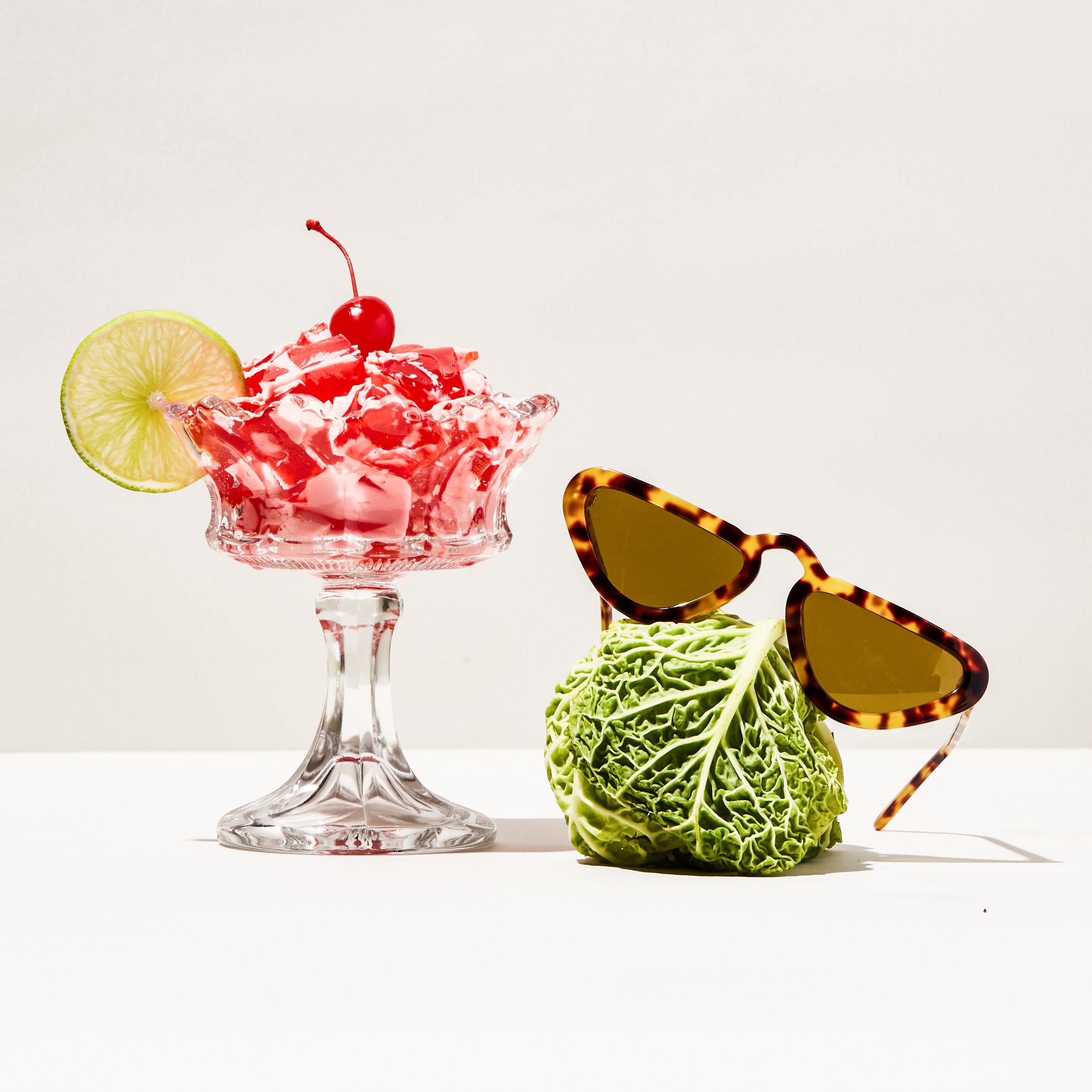 Ecomm_StillLife_Sunglasses_toirtose.jpg