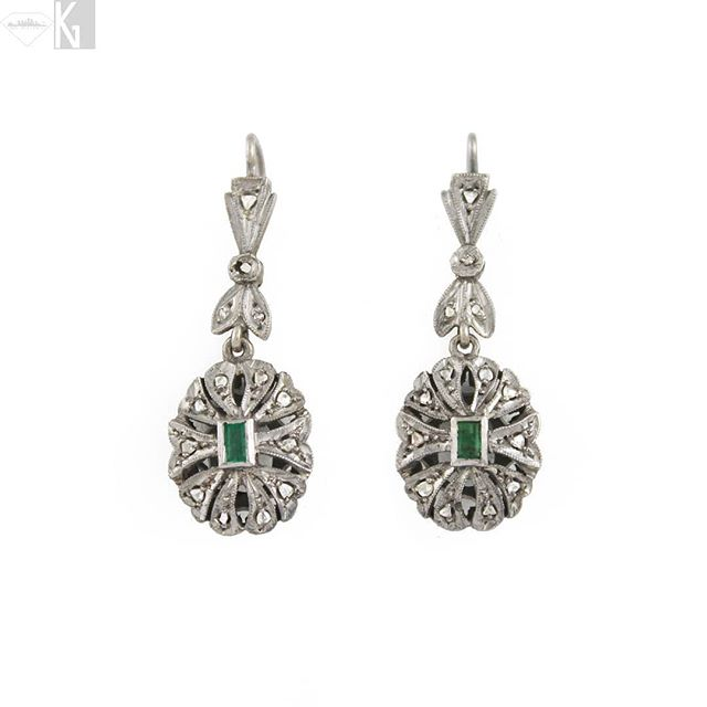Vintage 18K White Gold Emerald & White Diamond earrings, part of our Estate Collection. www.nativeangelsjewelry.com DM or email NativeAngelsJewelry@gmail.com for info and ordering. 📷@angelinasmithery 💎💠💎 #vintage #estatejewelry #whitegold #earrings #statementearrings #futureheirlooms #emeralds #diamonds #goldearrings #emeraldearrings #diamondsareforever #instajewelry #nativeangelsjewelry #kristinagracedesigns #kristinagracecollects