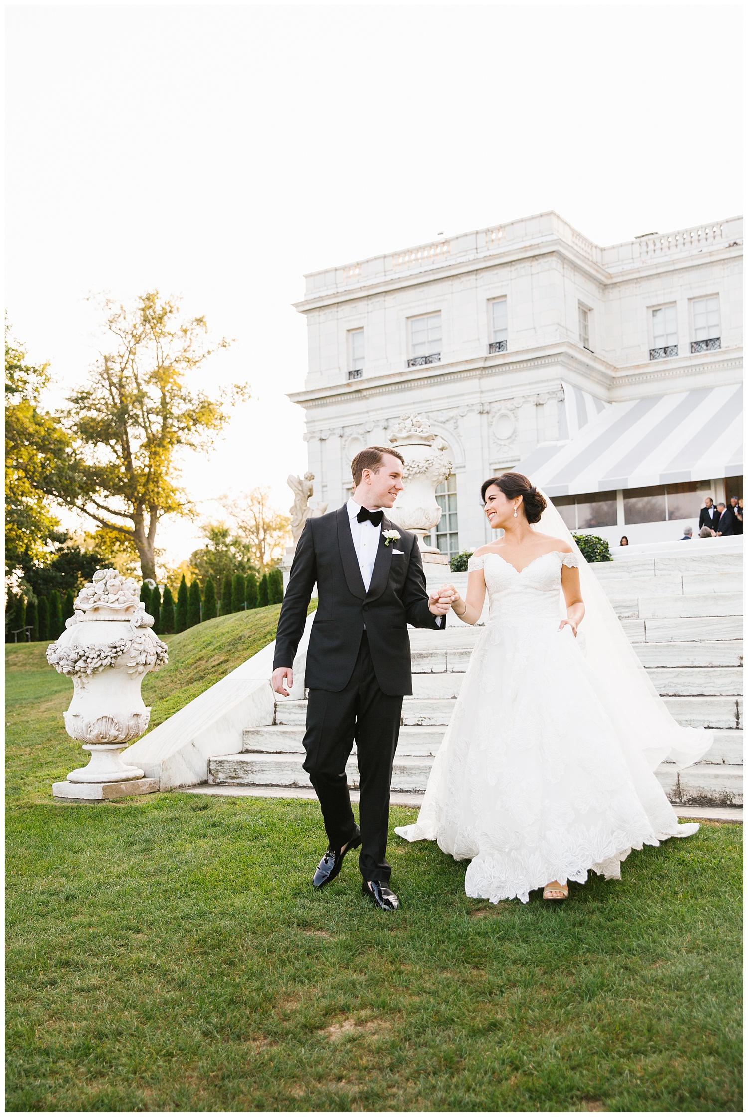 Stephen_Nathalie_Rosecliff_Mansion_Wedding_021.jpeg