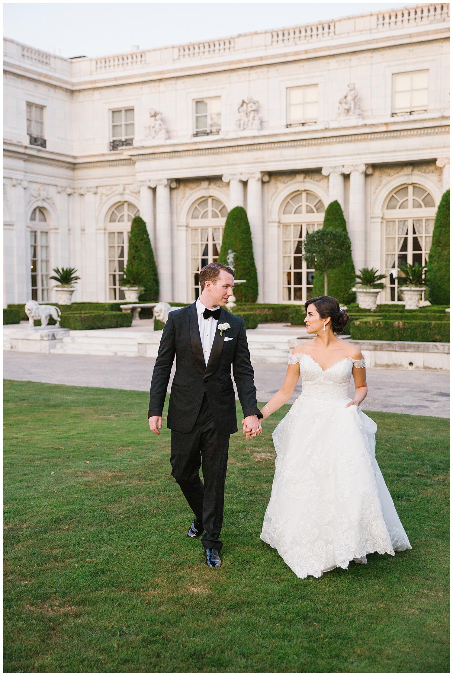 Stephen_Nathalie_Rosecliff_Mansion_Wedding_025.jpeg