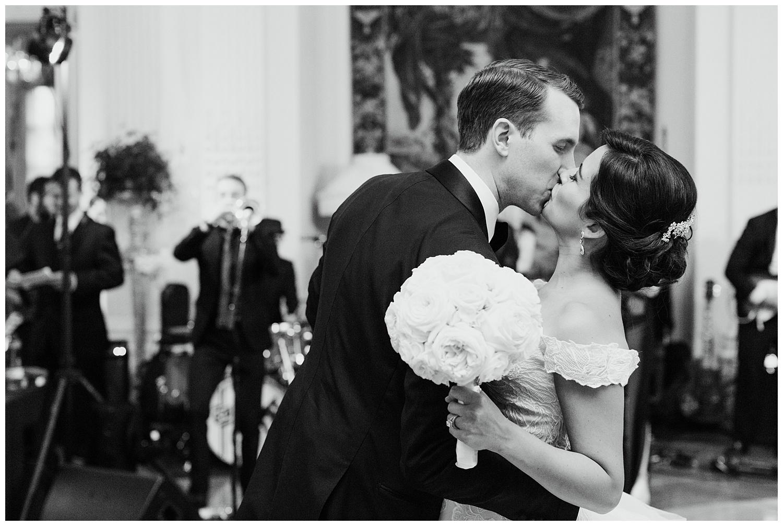 Stephen_Nathalie_Rosecliff_Mansion_Wedding_026.jpeg