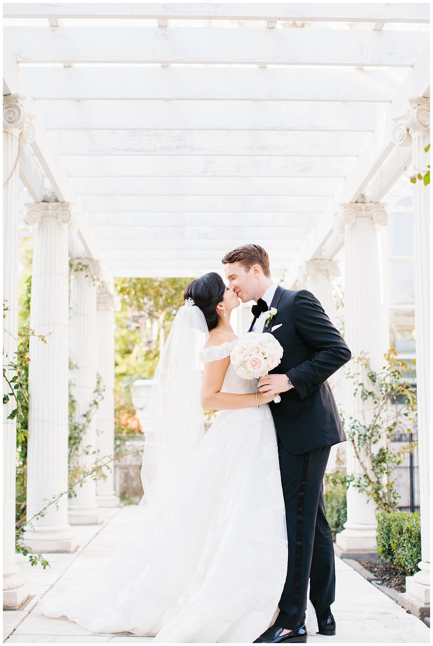 Stephen_Nathalie_Rosecliff_Mansion_Wedding_010.jpeg