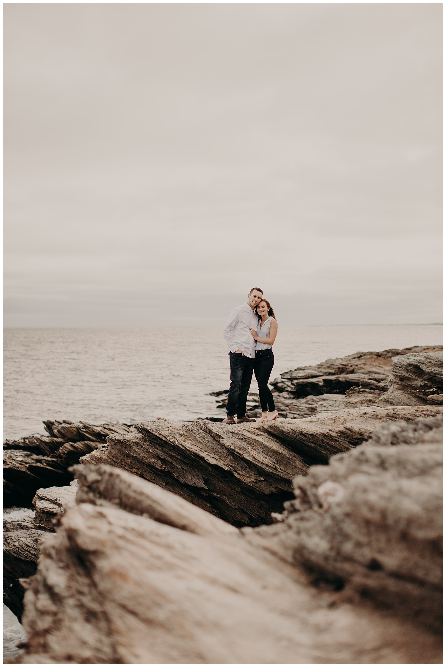 Dan_Sunni_Beavertail_Point_Engagement_Session_007.jpeg