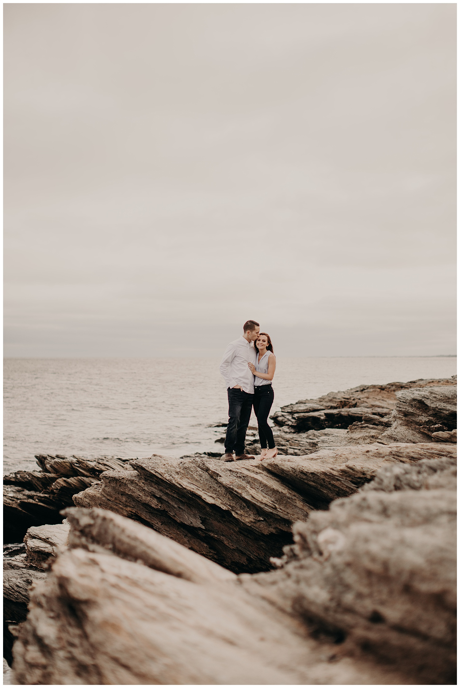 Dan_Sunni_Beavertail_Point_Engagement_Session_008.jpeg