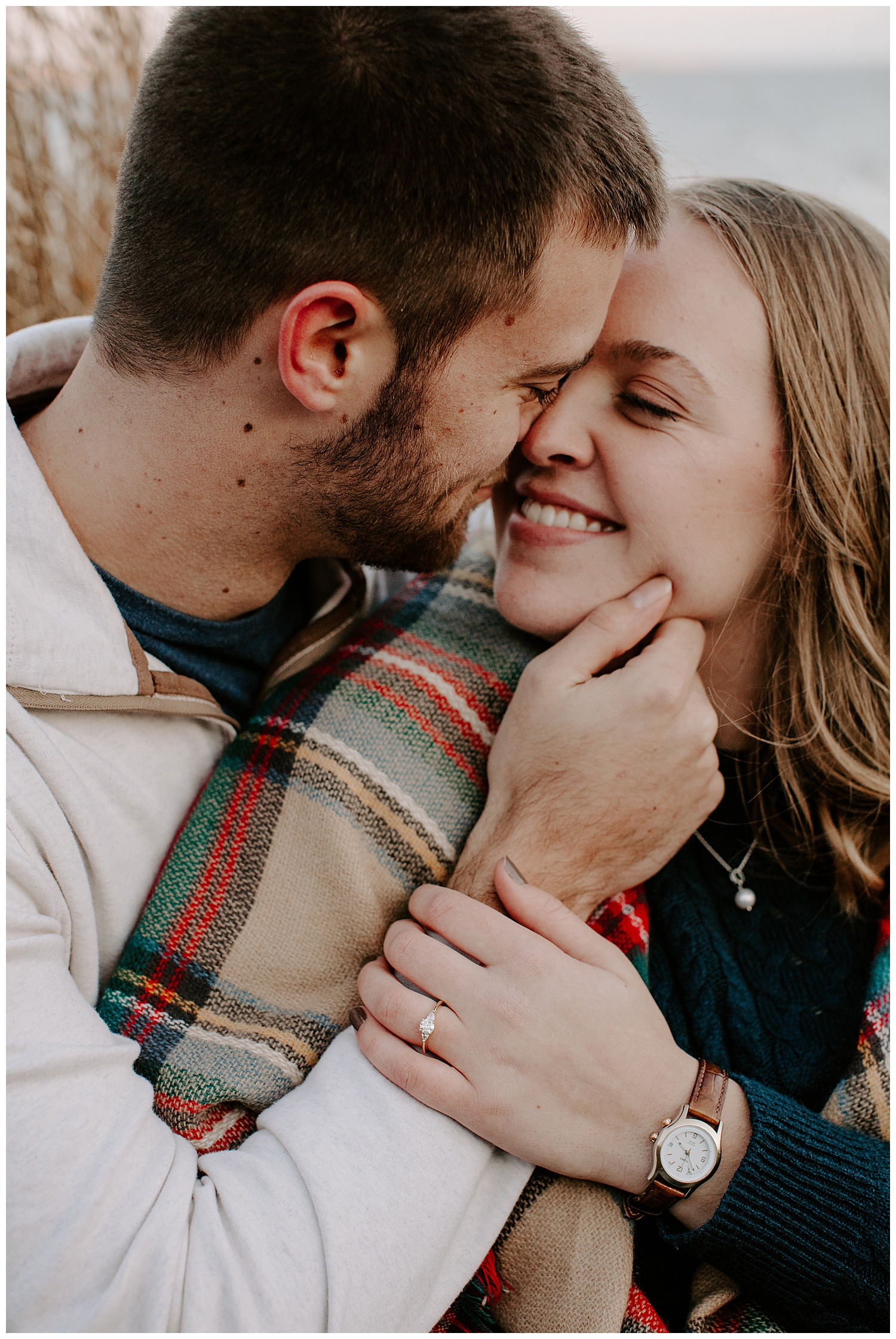jay_kalyn_beavertail_beach_winter_engagement_session_jamestown_rhode_island03.jpg