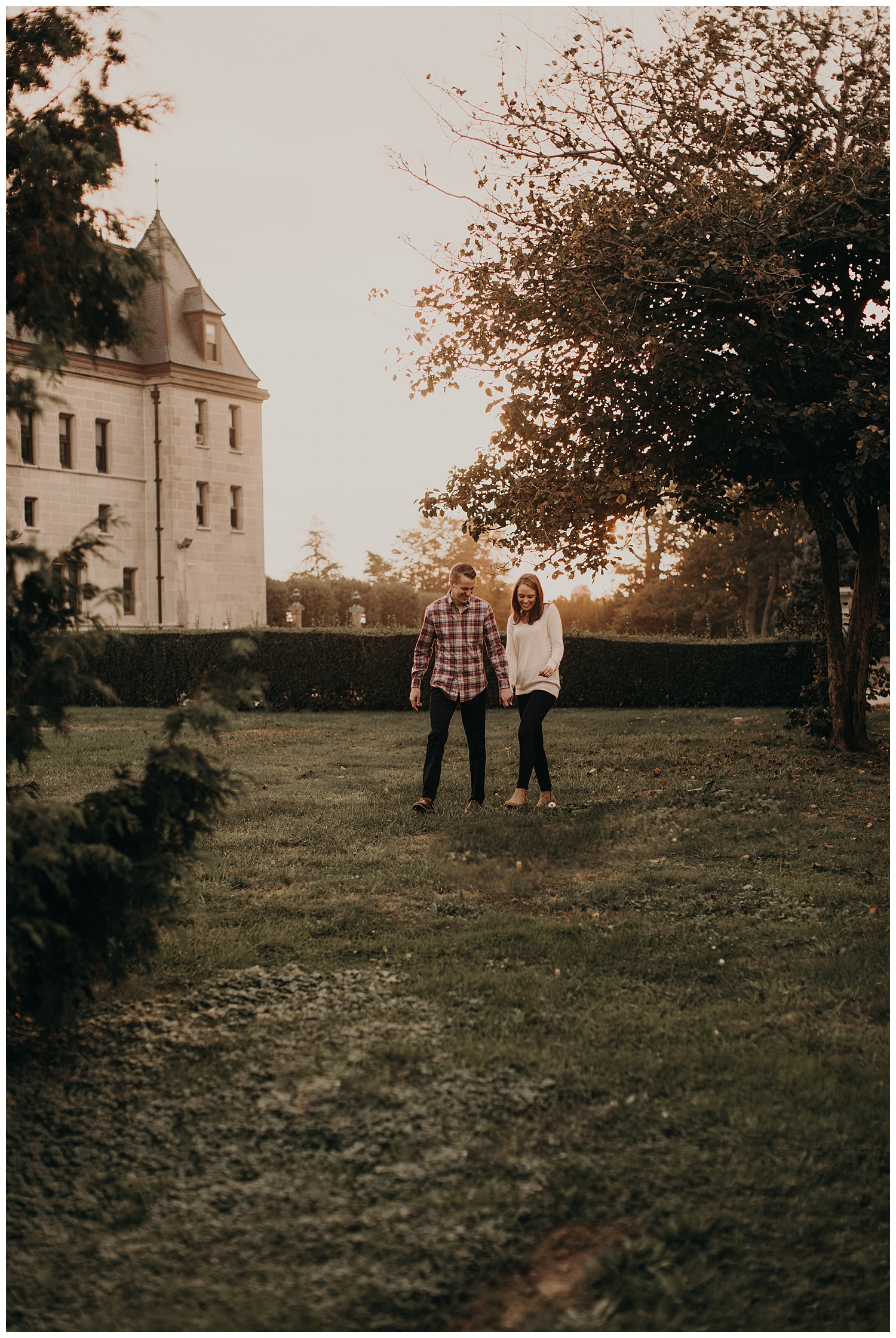 aaron-heather-romantic-sunset-engagement-session-newport-rhode-island37.jpg
