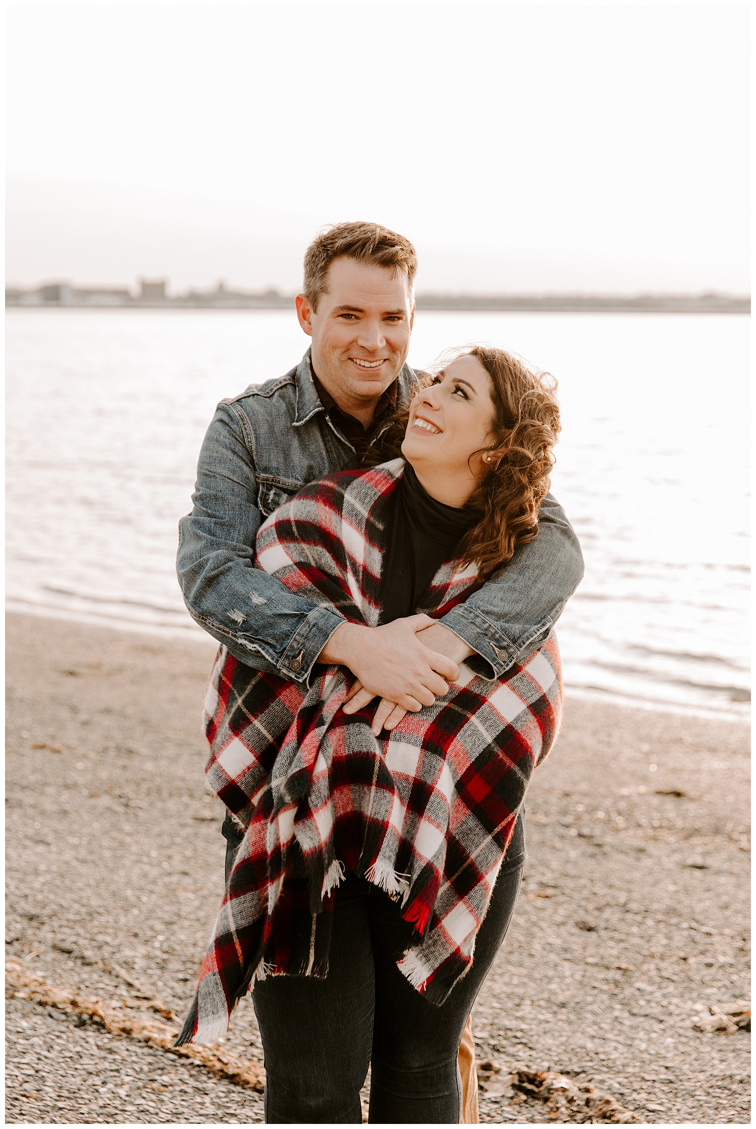 kevin-danielle-snow-winter-engagement-session-castle-island-boston05.jpg