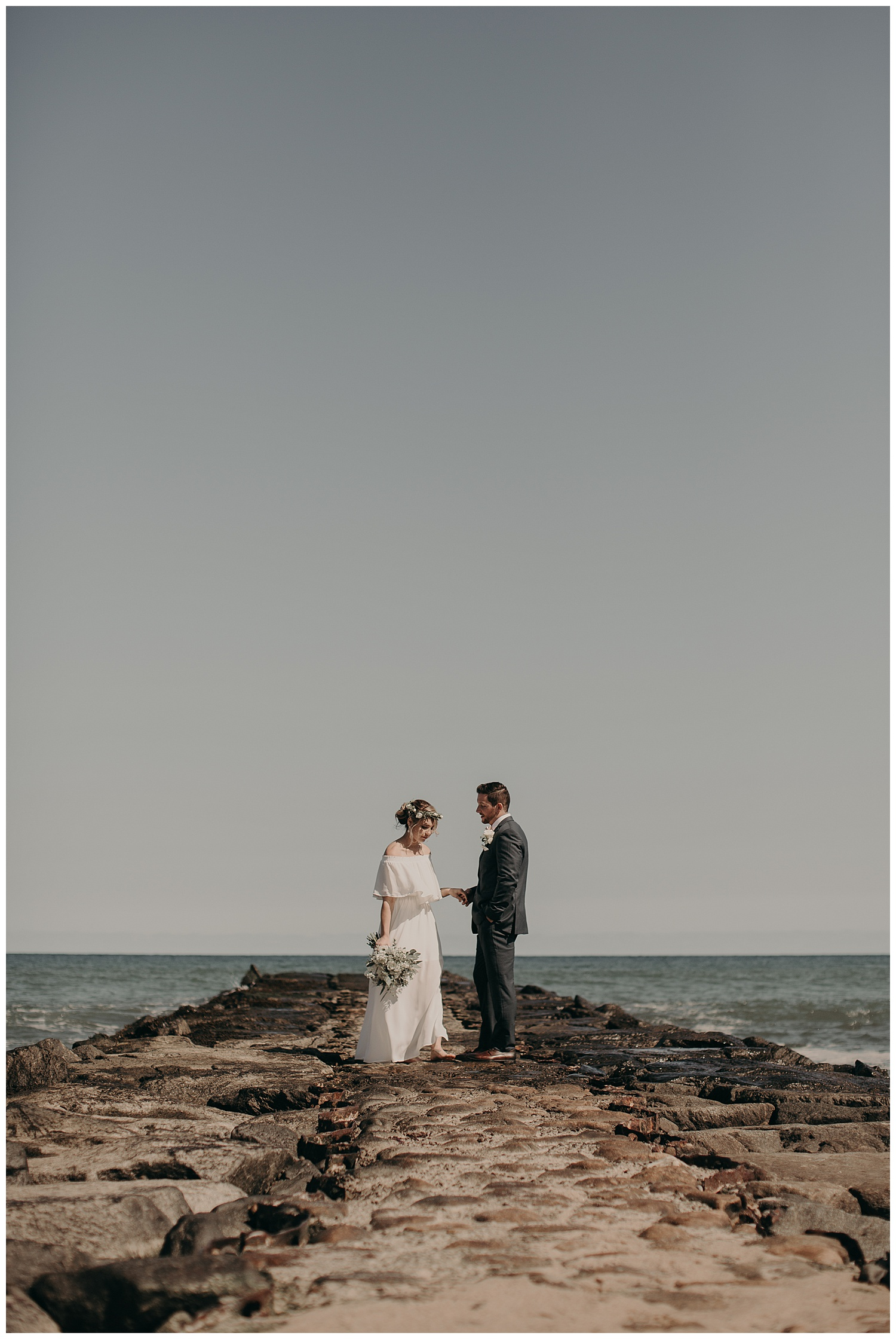 kevin-jordan-boho-block-island-beach-wedding-spring-house-hotel-rhode-island22.jpg