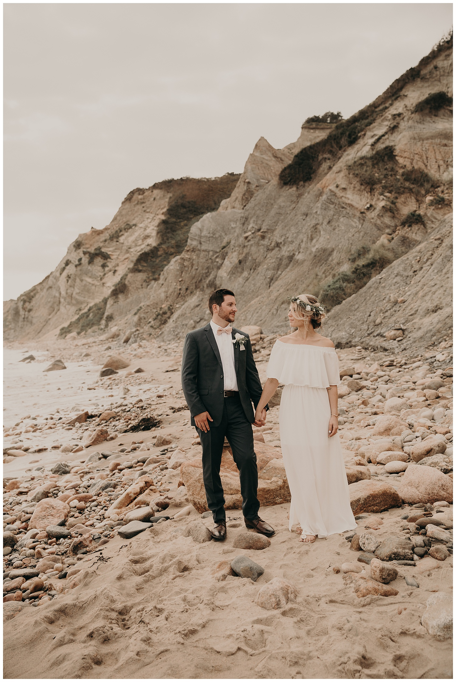 kevin-jordan-boho-block-island-beach-wedding-spring-house-hotel-rhode-island27.jpg