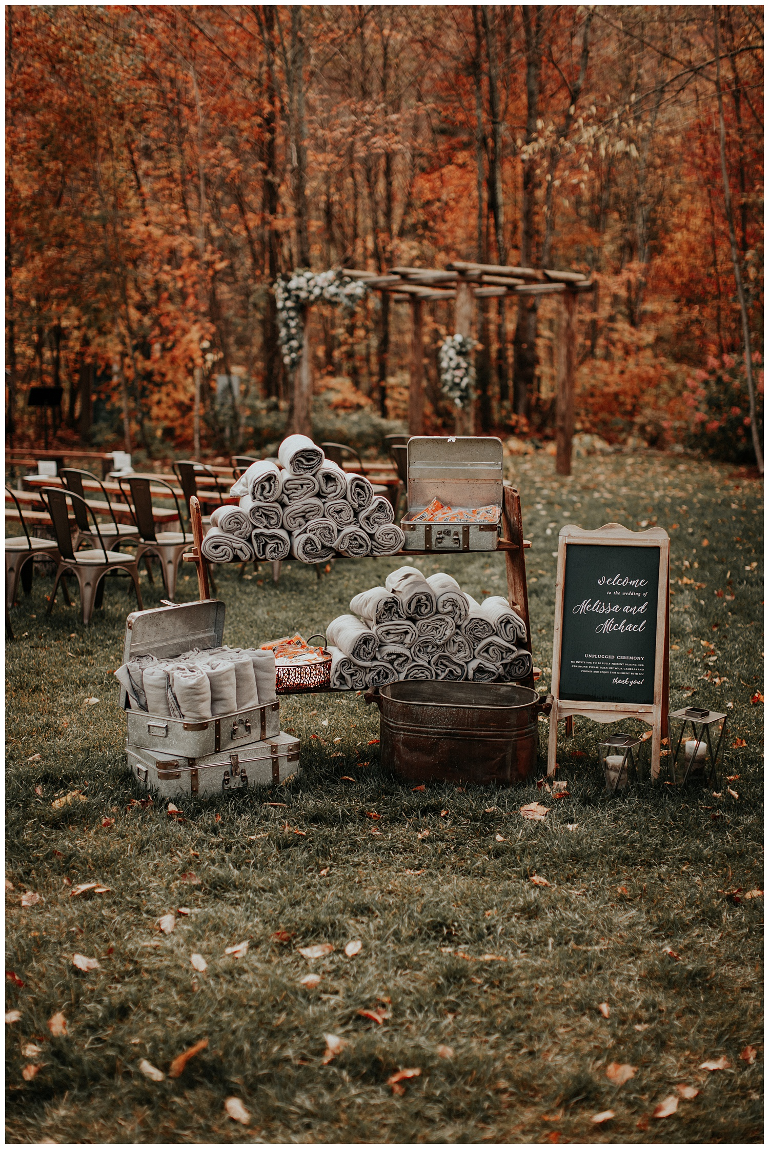 mike-mel-rural-autumn-fall-modern-wedding-mad-river-barn-waitsfield-vermont17.jpg