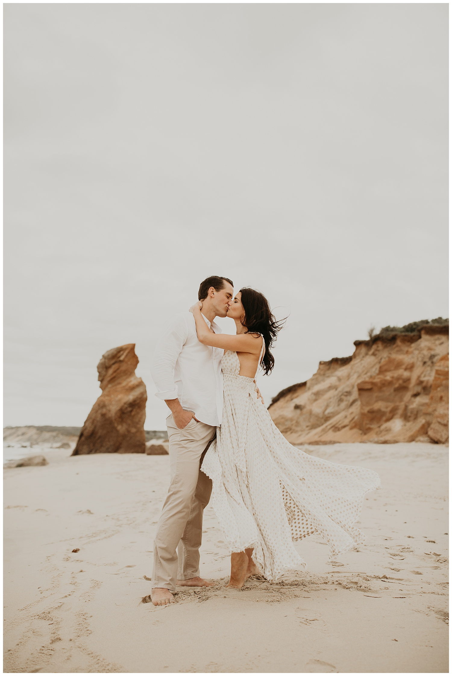 tim-olivia-beach-boho-engagement-session-marthas-vineyard-massachusetts05.jpg