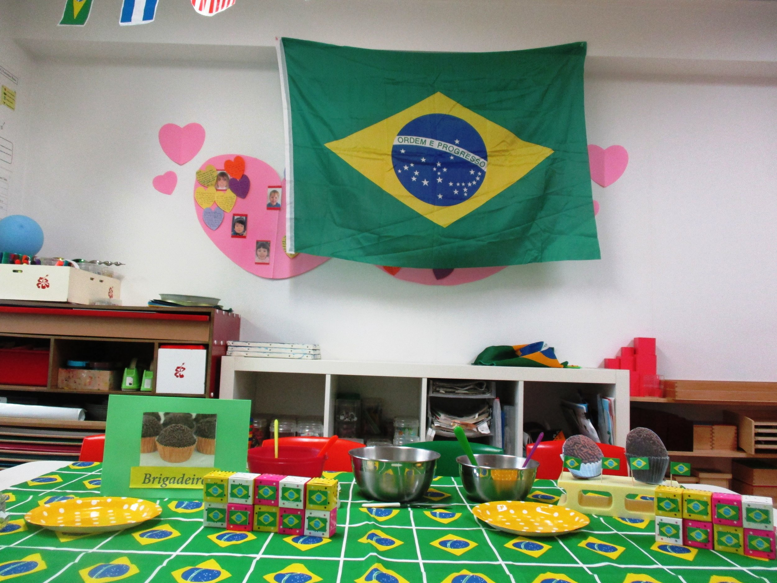 """Lindo maravilhoso (Means, """"Beautiful! Marvelous!"""")! We simply adored how Marilia prepared the room for us. Thank you so much!"""