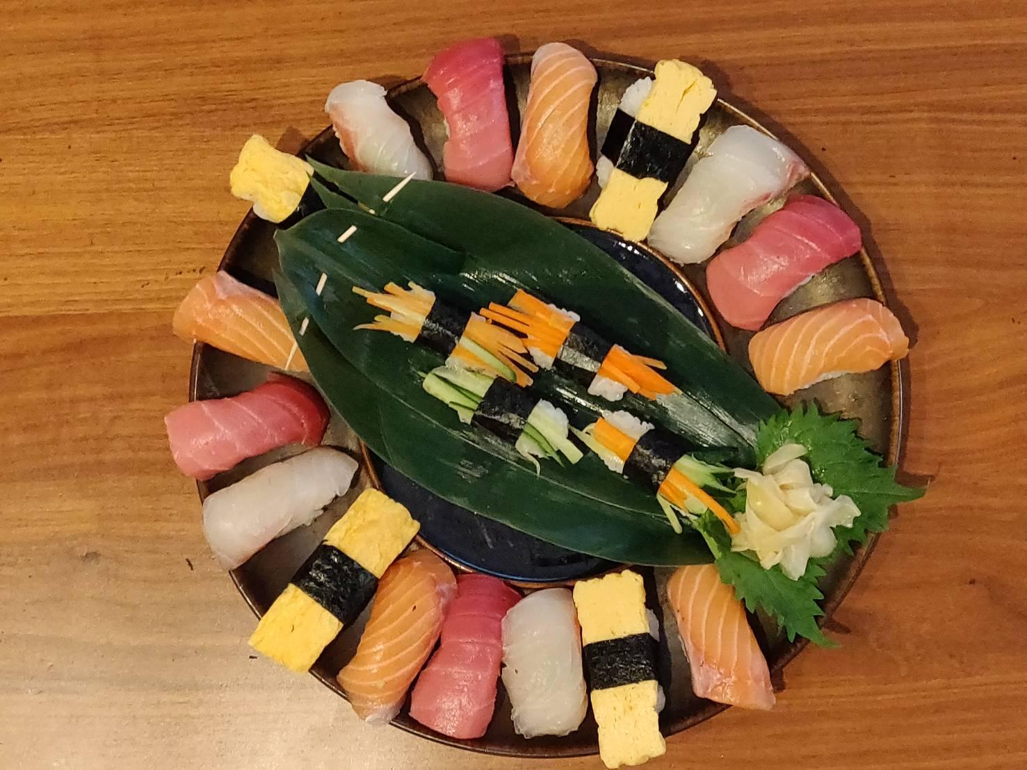 The winning team's nigiri platter.