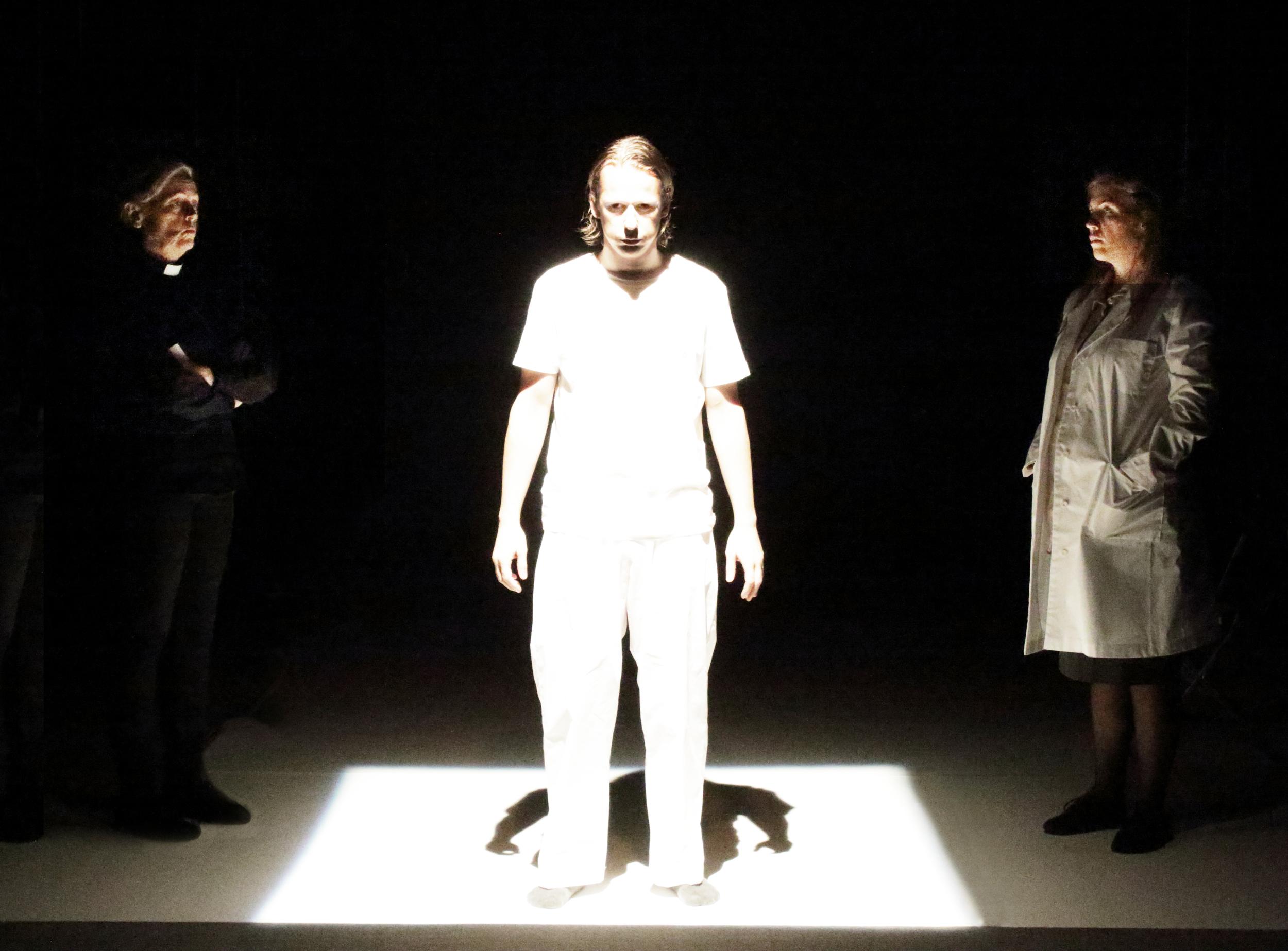 Pressbild Lodjuret: Fotograf Youlian Tabakov: från vänster Chatarina Larsson, Peter Viitanen, Julia Marko-Nord.jpg