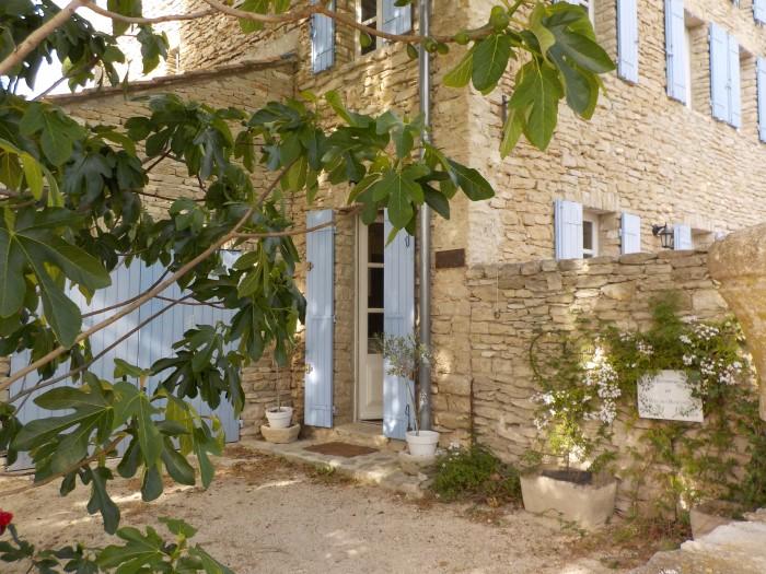 maison d'hote du luberon avec pierres apparentes.JPG