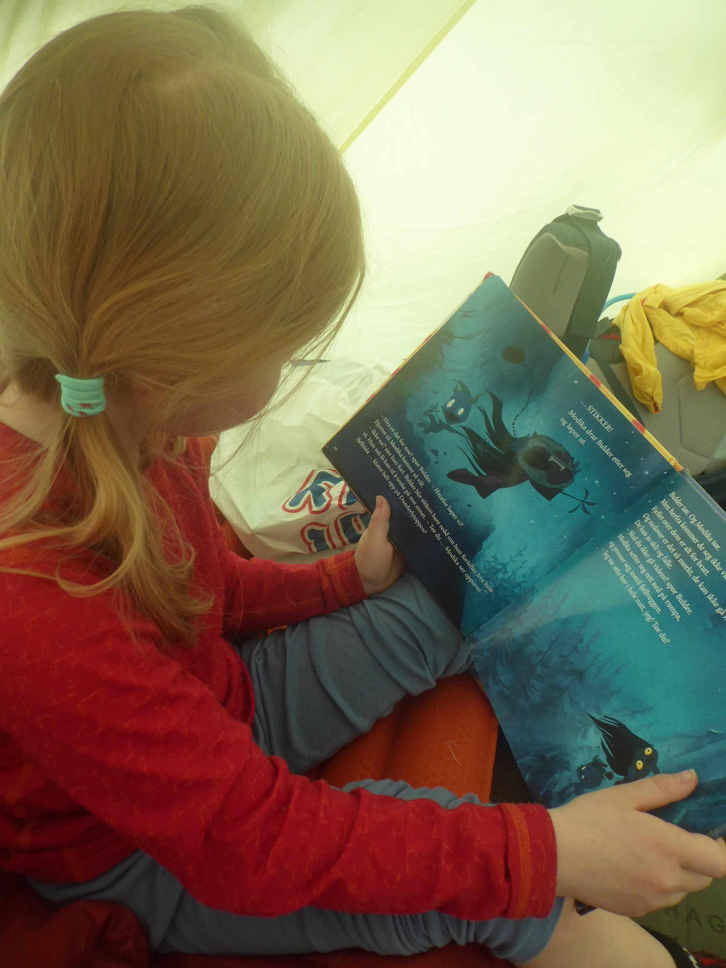 Kos i lavvoen er en viktig del av turen, Liv leser om Dunderly