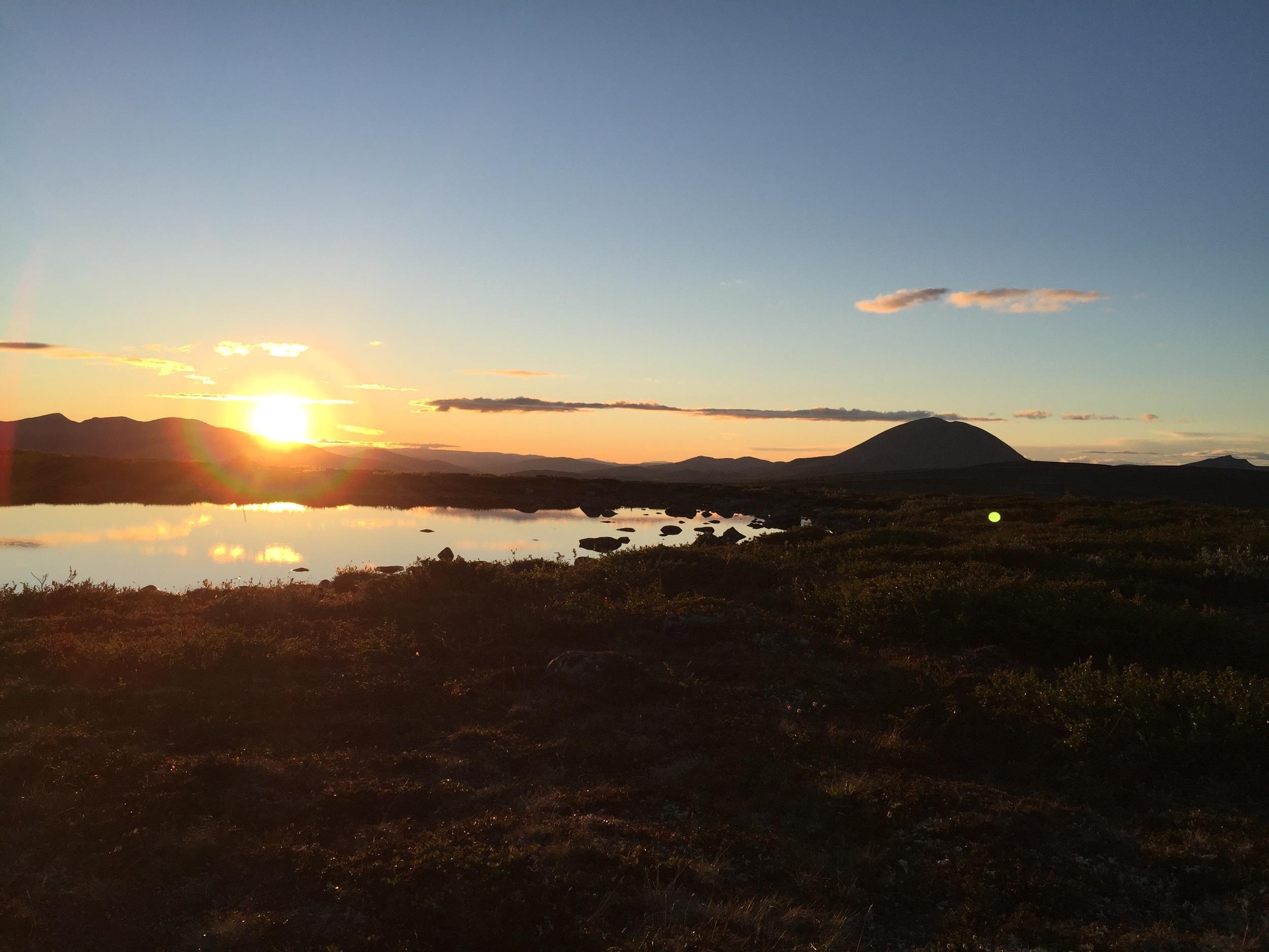 Solnedgang på Skardfjellet, den kvelden vi var på natt-tur og leste Harry Potter utenfor teltet