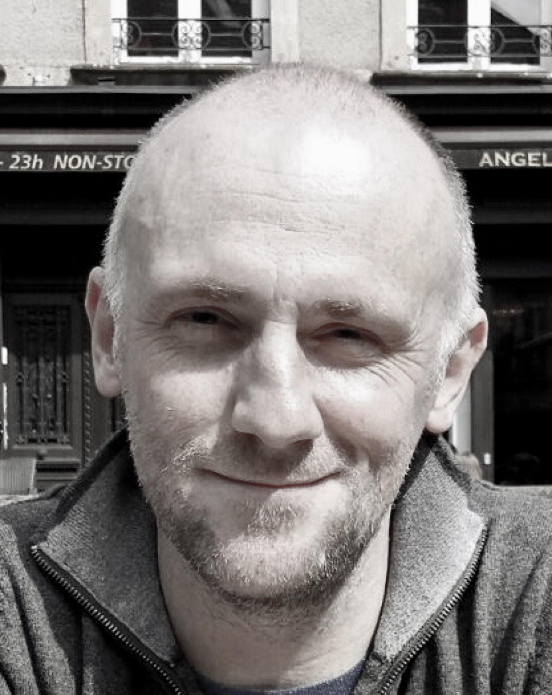 roberto gagnor / CEO, screenwriter, director