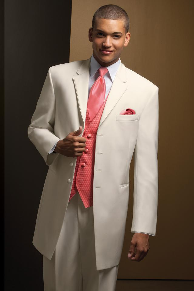 prom-tuxedo-ivory-savannah-634-1.jpg