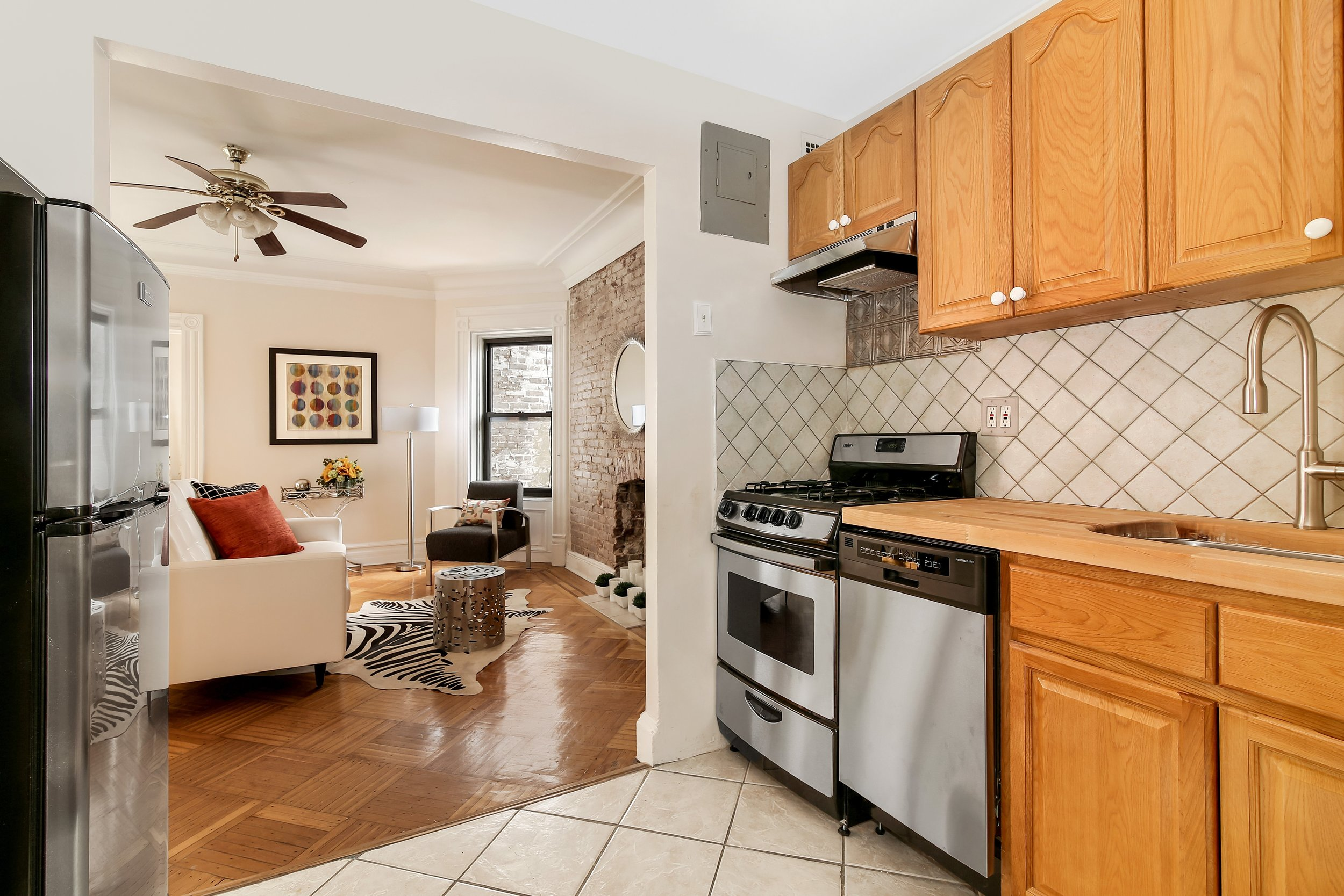 184 Clinton Ave kitchen.jpg