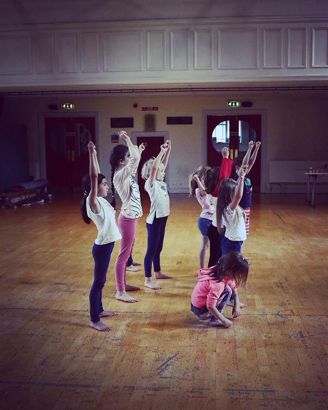 We've had an AMAZING start to our week of musical theatre workshops! The group are learning 'Step in Time' from Mary Poppins and had fun making their own original chimney sweeps! They're getting creative making their own t-shirts tomorrow! Now time for the next group........ #creative learning #dance #marypoppins #stepintime