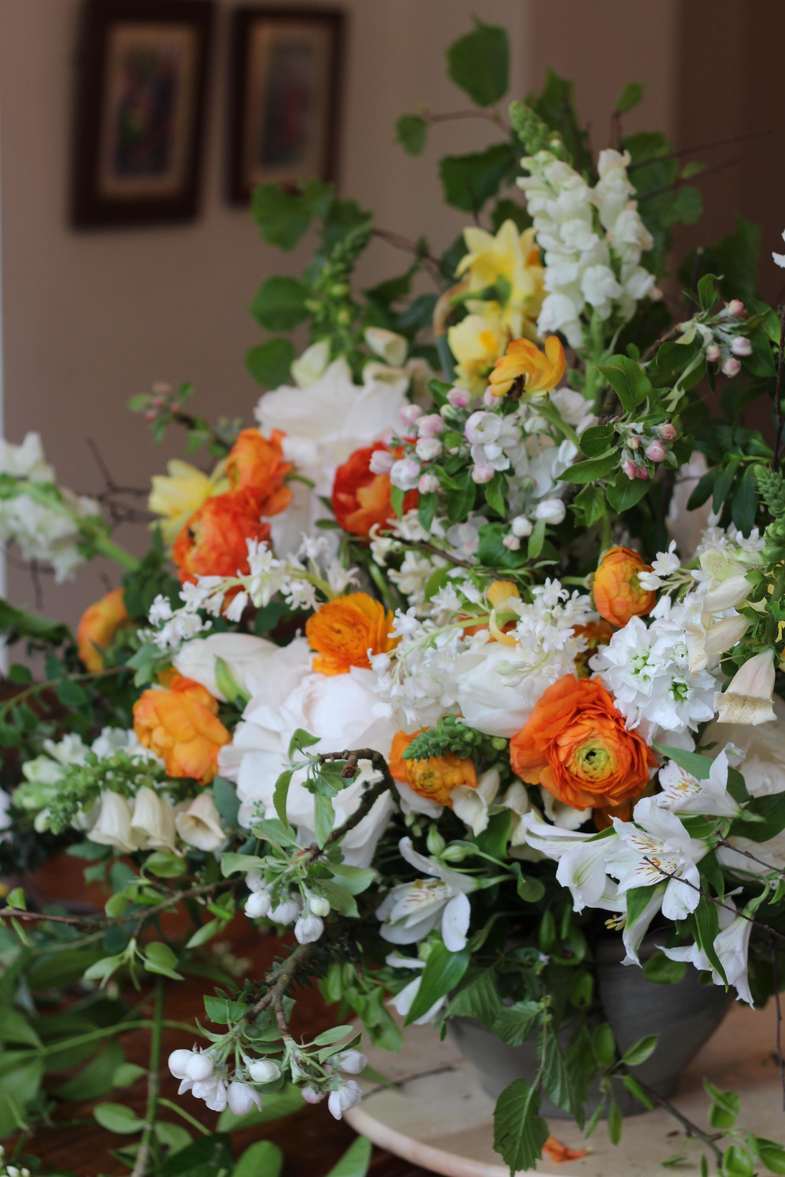 Kent London florist jennifer pinder holds a dutch master floristry lesson with british grown flowers